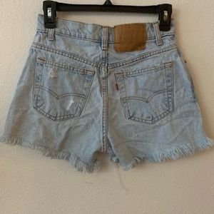 Levi's   Cutoff Denim Shorts   Distressed   7